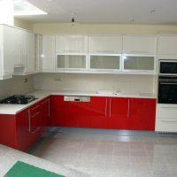 Magasfényű-festett-konyhabútor.1