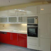Magasfényű-festett-konyhabútor.3